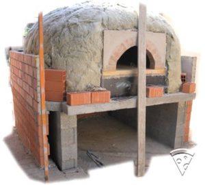 Isoler un four à pizza avec de la laine de roche