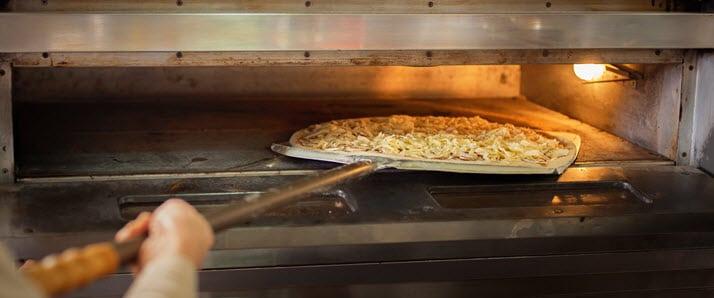 Pelle à pizza en inox