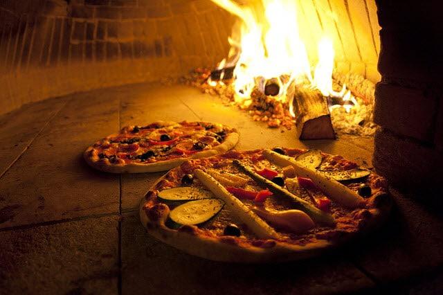 Des pizzas au feux de bois