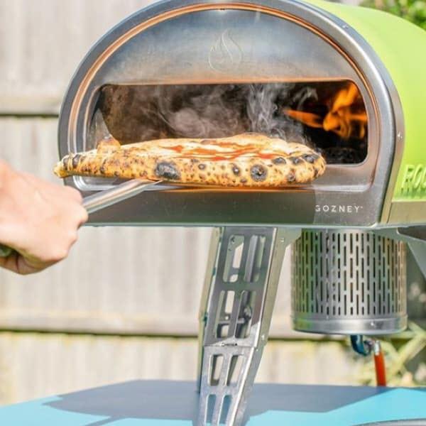 Pizza sortie du four