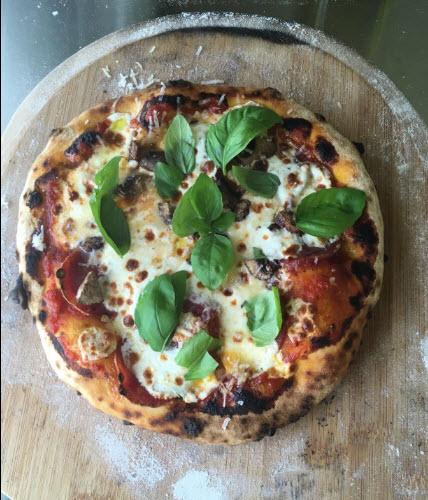Très belle pizza obtenue avec le Roccbox