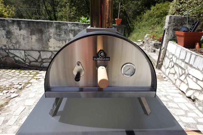 Face avant du Burnhard Nero avec son thermomètre intégré
