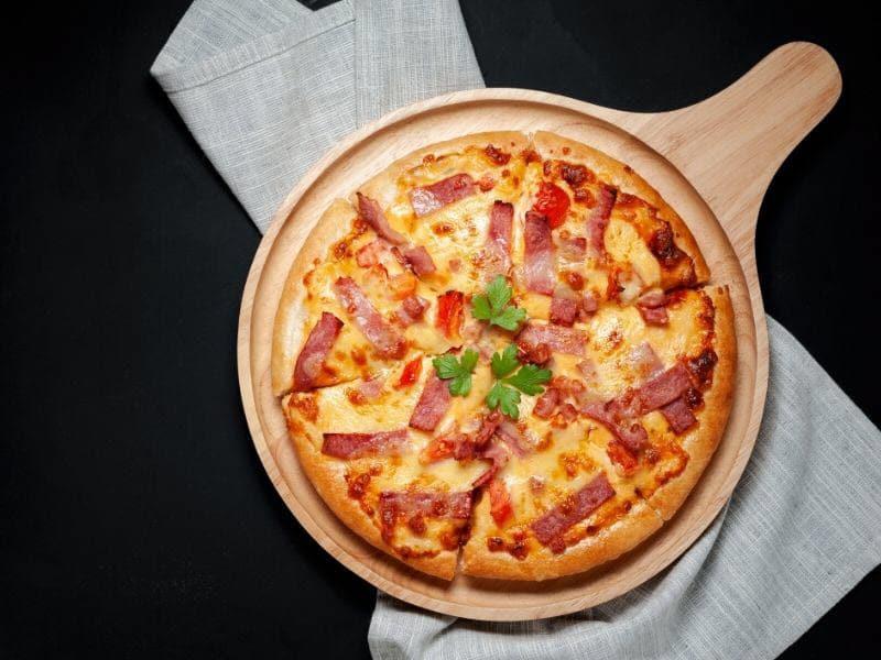 pizza jambon fromage lardons