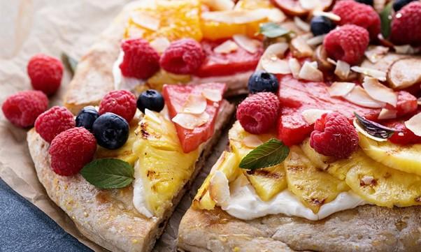 Pizza sucrée fraise et ananas