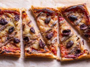 tranches de pizza aux anchois